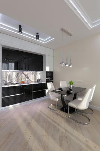 . Black&White Apartment in Smart Plaza