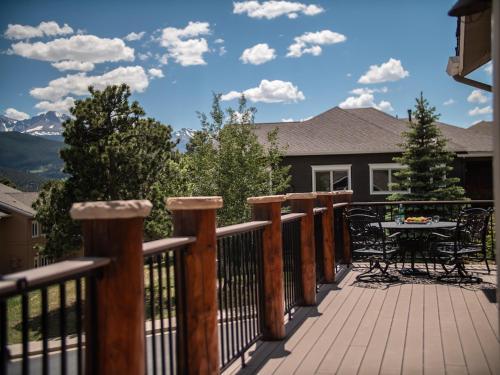 333 E Wonderview Ave, Estes Park, CO 80517, United States.