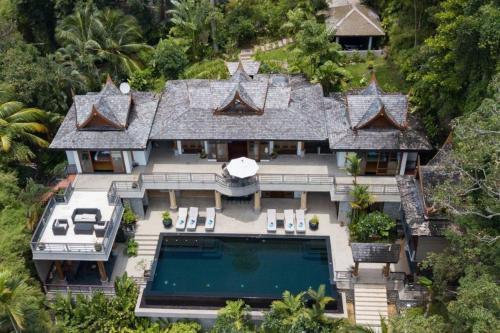 Luxury 5 bedrooms Villa with Seaview Infinity Pool overlooking Surin Luxury 5 bedrooms Villa with Seaview Infinity Pool overlooking Surin Beach