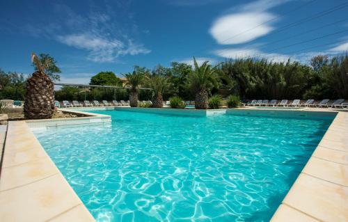 SOWELL RESIDENCES Les Mazets - Village et club de vacances - Arles
