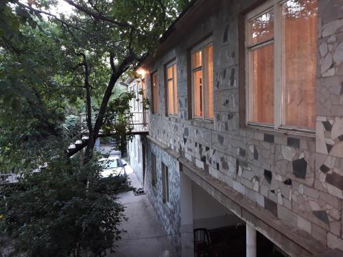 Guest House In Arzakan,Axveran