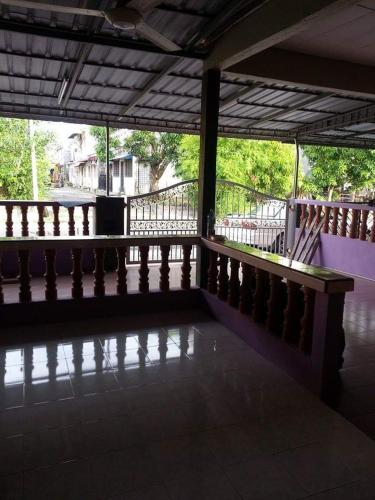 AZMI HOMESTAY, Manjung