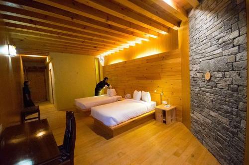 Mountain Resort, Chhoekhor