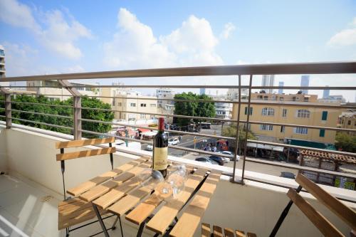Luxurious Bauhaus Suite Carmel Market View En Tel Aviv