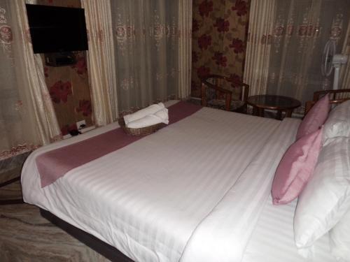 Hotel Crescent, East Khasi Hills