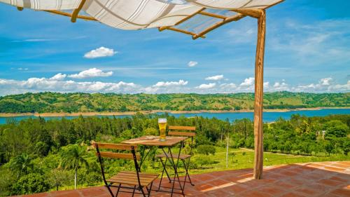 Villas del Lago Lake Resort & Campground