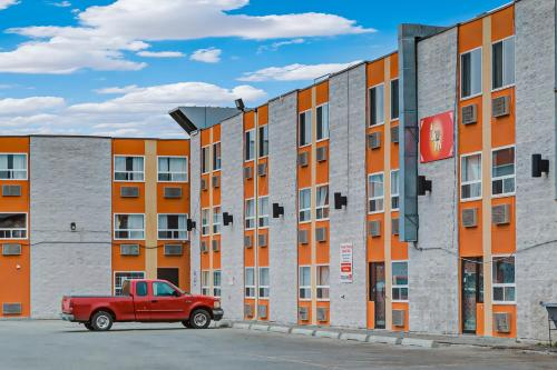 Airport Traveller's Inn - Calgary, AB T2E 4Y3