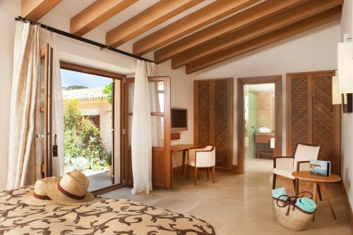 Suite Junior Jardín Castell Son Claret - The Leading Hotels of the World 4