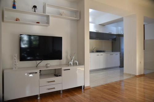 Boda Apartments - Photo 4 of 41