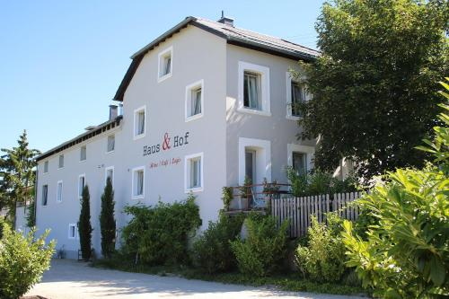 Haus And Hof Guest House