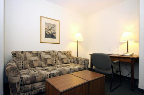 Super 8 By Wyndham Truro Ns - Truro, NS B2N 5A9