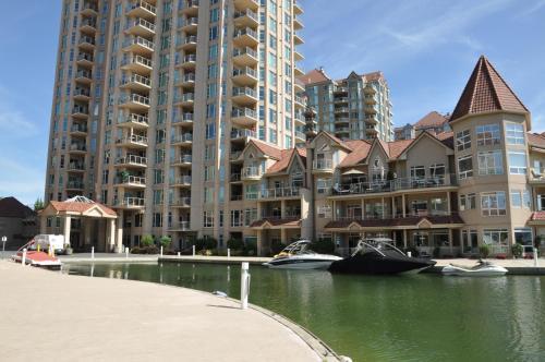 . Waterfront 2 Bedroom Resort Condo in Downtown Kelowna