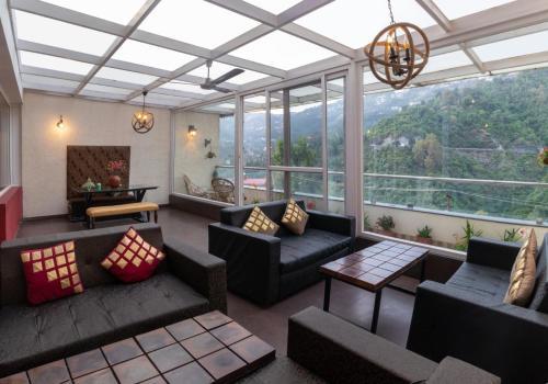 . Nirvana Holiday Apartment