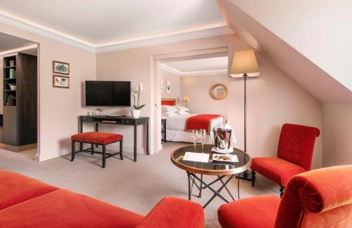 A Hotel Com Chateau Saint Jean Hotel Spa Hotel Montlucon