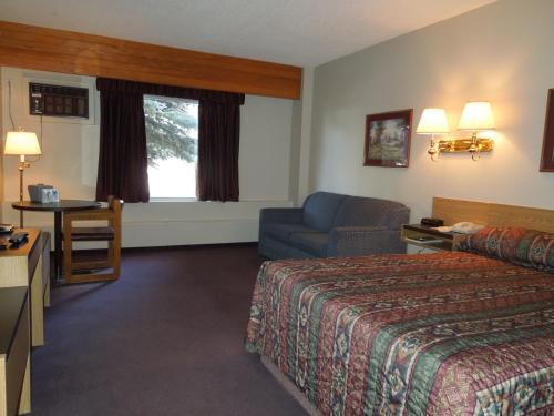 Walking Eagle Inn & Lodge - Rocky Mountain House, AB T4T 1A9