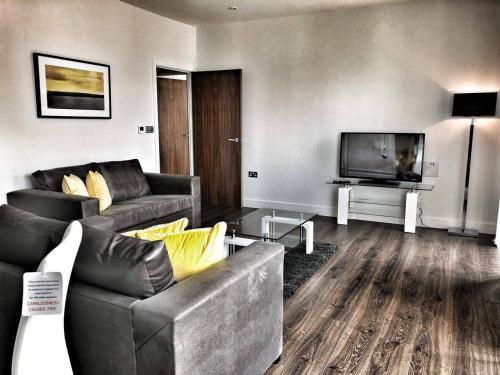 Amazing Brand New 2 Bed/2 Bath Luxury Apartment!!