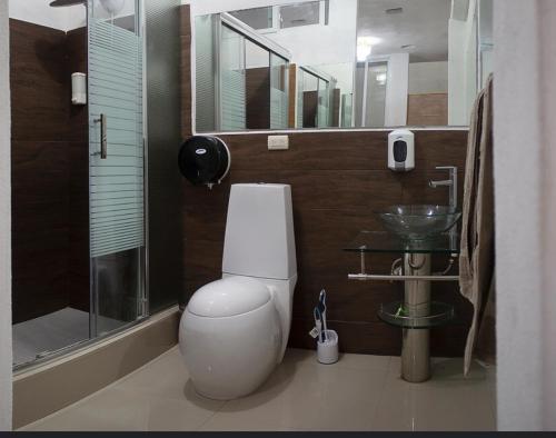 Apartamento individual, privado 20m del aereopuerto, pregunteme x las 6 vias de acceso rum bilder