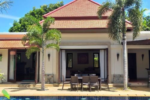 Luxurious and spacious Villa in Laguna Luxurious and spacious Villa in Laguna