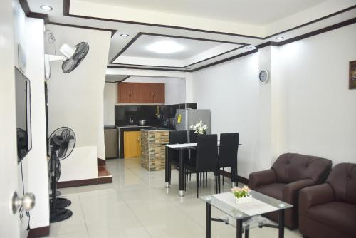 Furnished House in Calapan City Subdivision near ROBINSON/XENTRO Mall