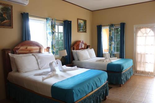 Brytan Villa In Treasure Beach Jamaica 50 Reviews Price