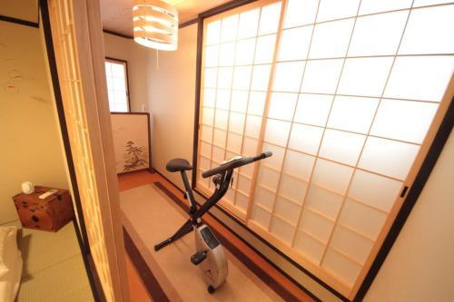 Kyoto Nijo Guest House RakuZen villa image