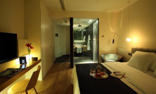 Habitación Doble Deluxe (1-2 adultos) Ohla Barcelona 4