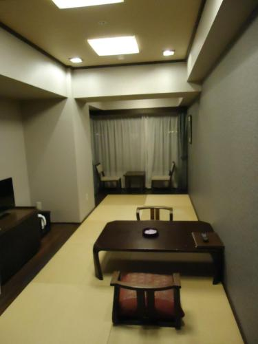 日式客房 - 仅提供客房 (Japanese-Style Room - Room Only)