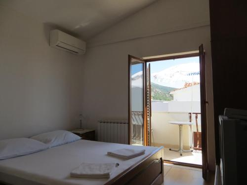 Apartments and Rooms Rogosic стая снимки