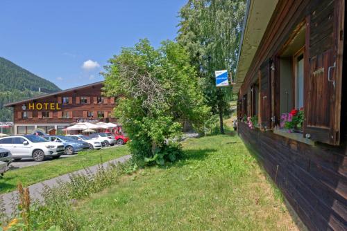 Motel Bivouac de Napoléon - Accommodation - Bourg-St-Pierre