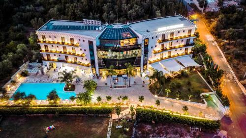 . Splendor Hotel & Spa