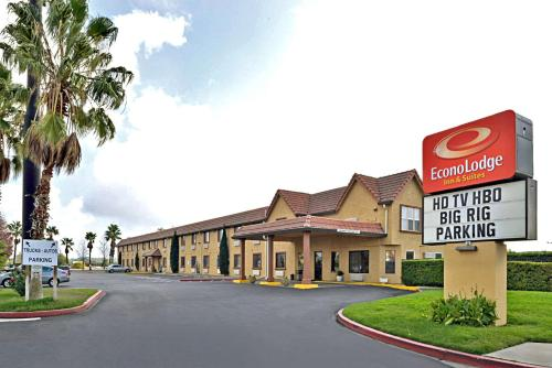 . Econo Lodge Inn & Suites Corning
