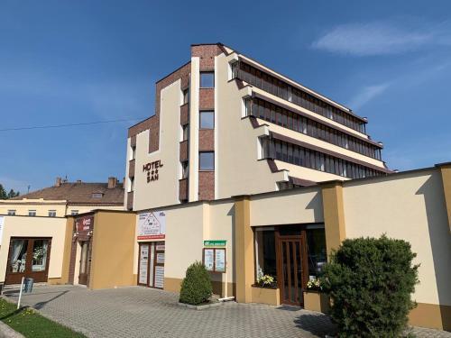 . HOTEL SAN
