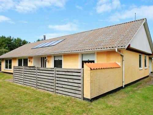Three-Bedroom Holiday home in Bindslev 6, Pension in Kandestederne