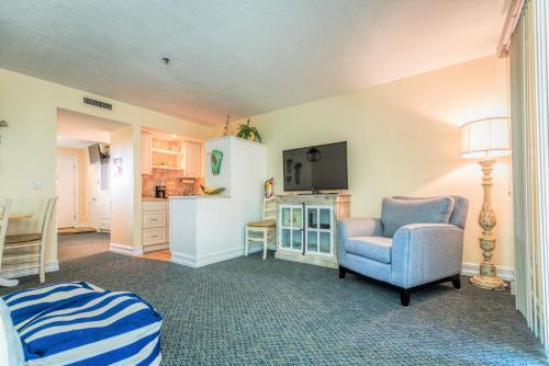 . Tipsy Turtle oceanfront 1 bedroom condo
