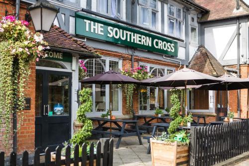 Southern Cross, Watford