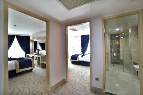 . Marathon Hotel