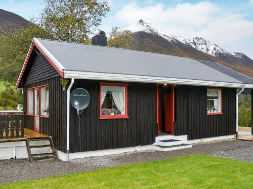 . Three-Bedroom Holiday home in Fjell