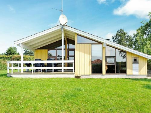 . Three-Bedroom Holiday home in Juelsminde 17