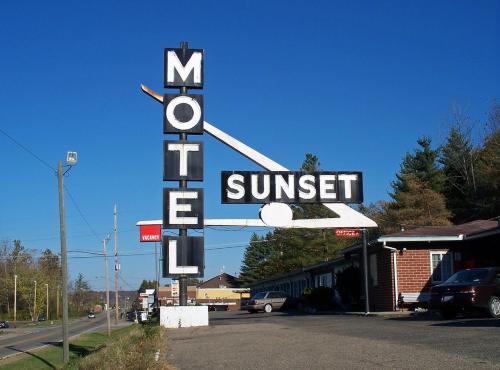 . Sunset Motel