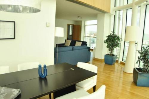 Parque Nacoes Prime Apartments - Photo 3 of 80