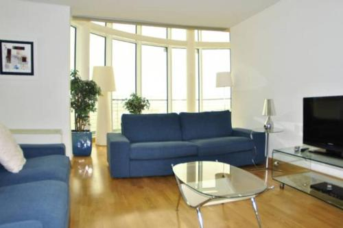 Parque Nacoes Prime Apartments - Photo 4 of 80