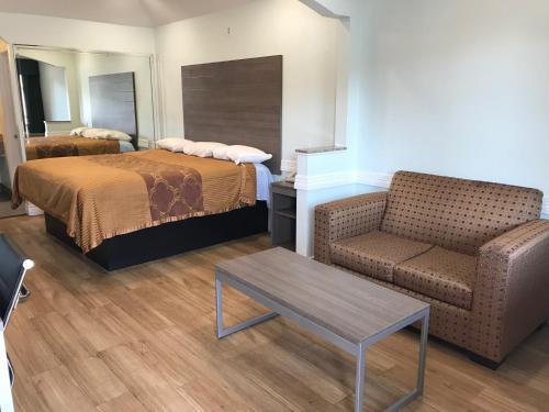 Crown Inn- Humble - Hotel