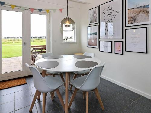 Two-Bedroom Holiday home in Hadsund 10, Ferienwohnung in Nørre Hurup bei Aalborg
