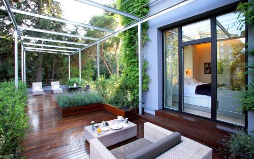 Standard Room with terrace ABaC Restaurant Hotel Barcelona GL Monumento 15