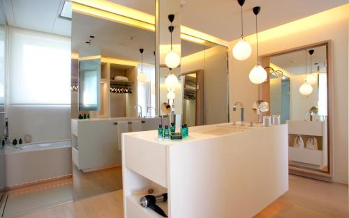 Attic Suite (1 or 2 people) ABaC Restaurant Hotel Barcelona GL Monumento 48
