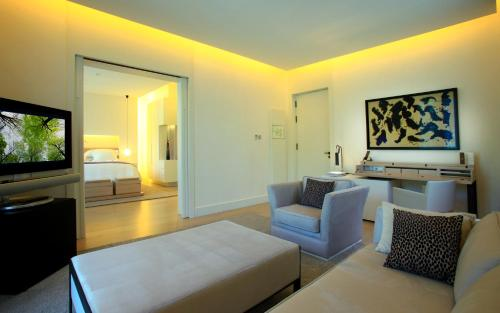 Suite Room (1 or 2 people) ABaC Restaurant Hotel Barcelona GL Monumento 30