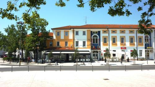 . Lipa, Hotel & Bistro