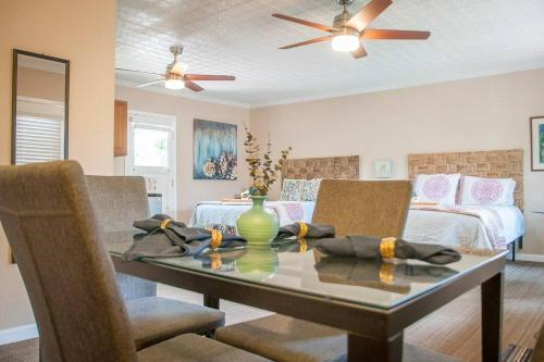 Sequoia Parks, Central CA Coast, Wineries- All are within 2 Hours from this Charming Apartment!