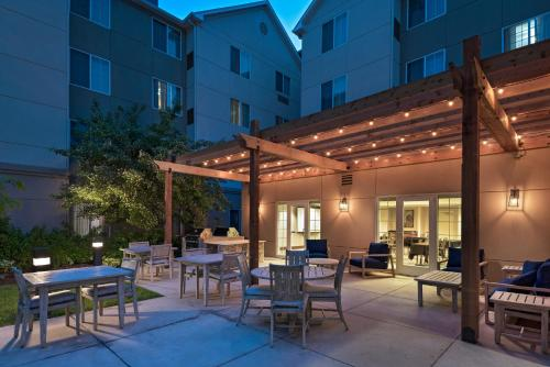 Homewood Suites by Hilton Fort Collins - Fort Collins, CO CO 80525