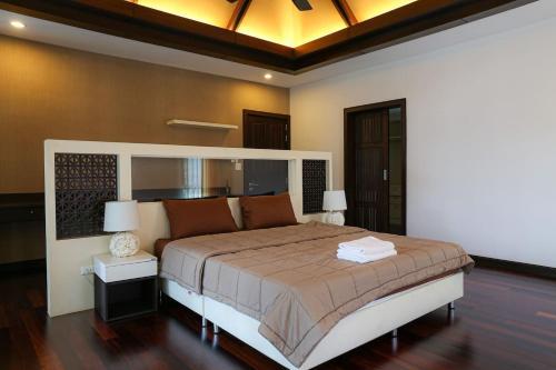 3 BR Private Villa in V49 Pattaya w/ Village Pool 3 BR Private Villa in V49 Pattaya w/ Village Pool